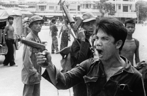 http://worldwithoutgenocide.org/wp-content/uploads/2010/01/khmer-rouge-soldiers-3.jpg